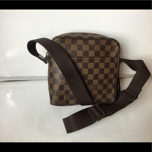bc3ff67bb89b Louis Vuitton Handbags - 100% Auth Louis Vuitton Damier Olav Crossbody Bag